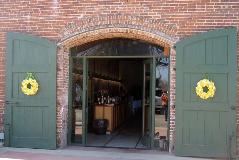 New_Clairvaux_tasting_room_entrance